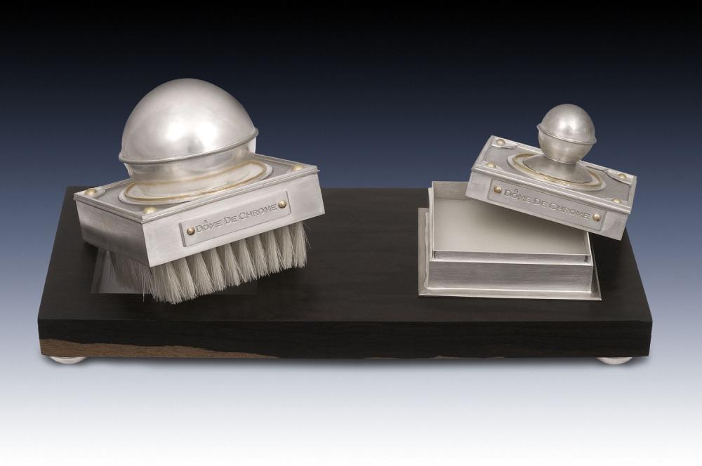 Dome de Chrome: detail image of polishing kit revealing the brush and wax.