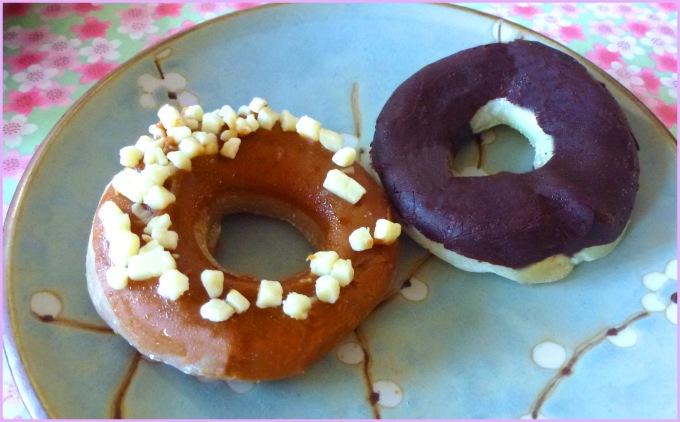 Cafe au lait and Chocolate banana Mochido